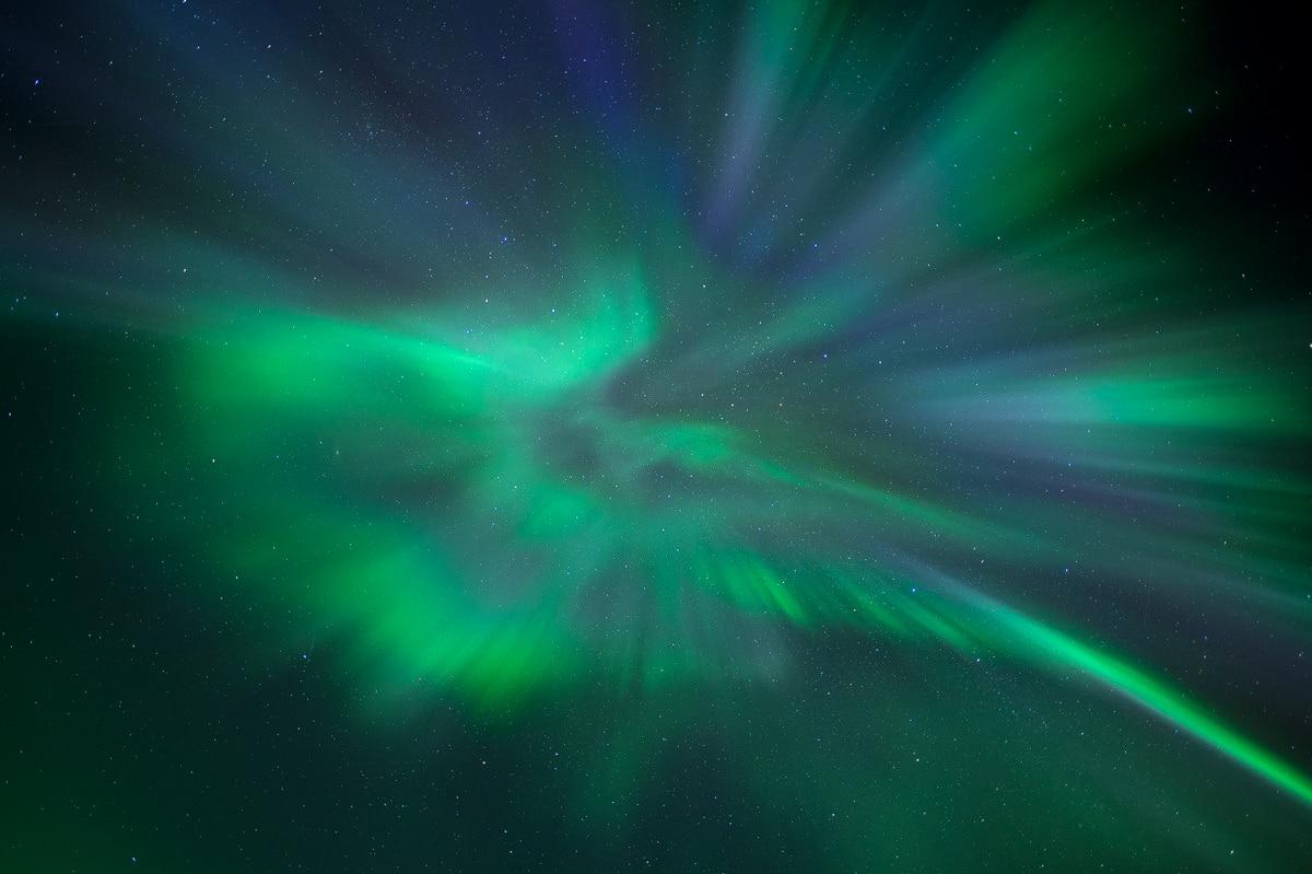 Corona Aurora Borealis fotografiert auf Nordlichter Fotoreisen mit Beat Glanzmann