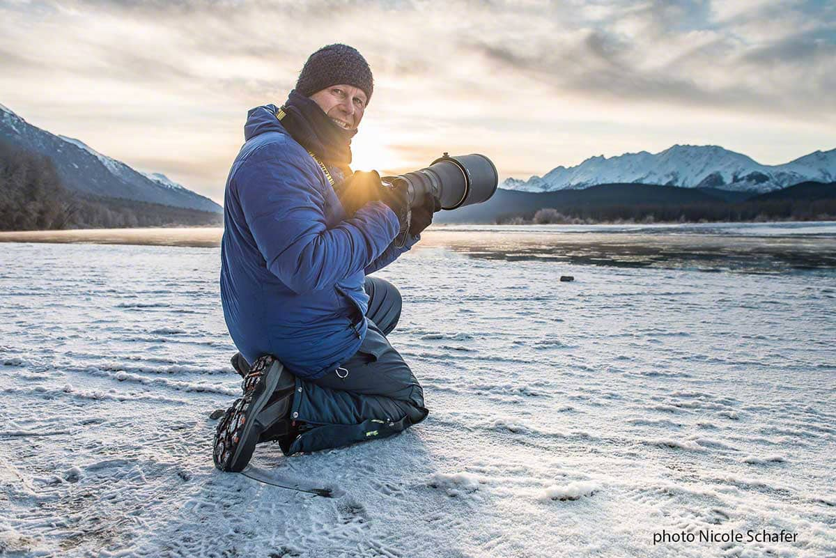 Beat Glanzmann Profi Fotograf Portrait beim Fotografieren in Alaska angrenzend zum Yukon Kanada Fotografie Workshops