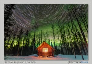 Honey Moon Cabin rental Northernlights Aurora Borealis Tour Yukon. Cozy Cabin in the woods with northern lights and stars night shot photography tours.