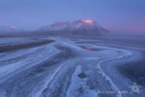Foto Daniel Sabathy Landschaftsfotografie am Kluane Lake Ufer auf Fotoreise im Yukon mit Glanzmann Tours unterwegs