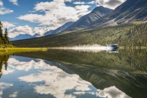 Fly-out Kanutouren mit dem Wasserflugzeug ausfliegen in die Wildnis Yukon geführte Reisen auf Fluss River