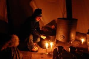 Im Trapperzelt am Holzofen auf Schneeschuh Abenteuer Winter Reisen im Norden von Kanada mit Eva Riedwyl Glanzmann